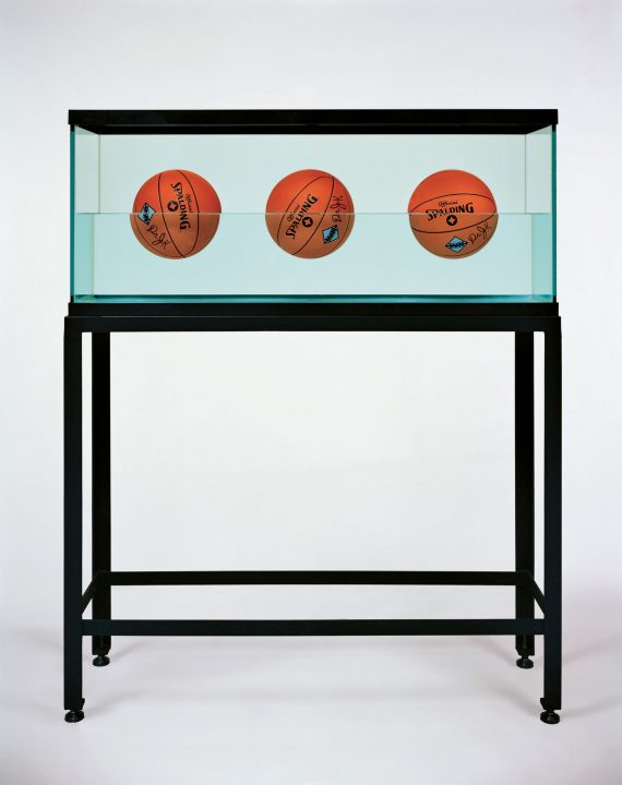 jeff-koons-three-ball-50-50-tank-spalding-at-newport-street-gallery