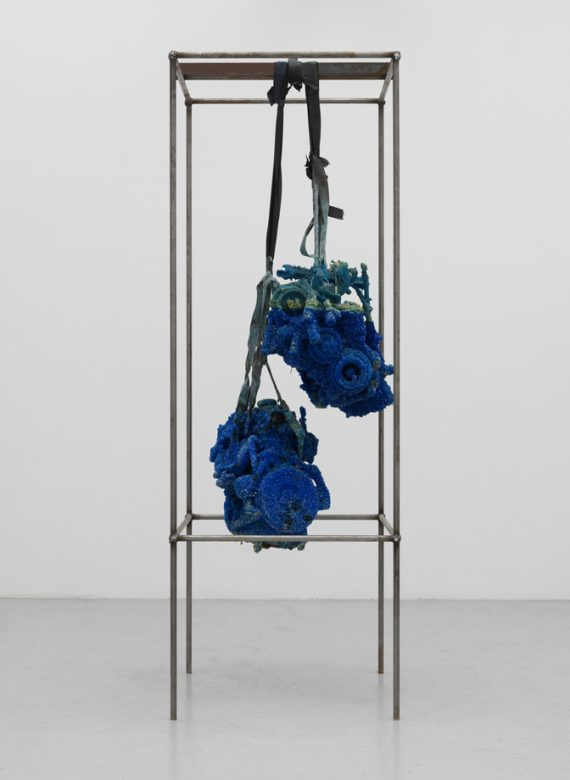 roger-hiorns-untitled-2009-the-artist-courtesy-corvi-mora-gallery